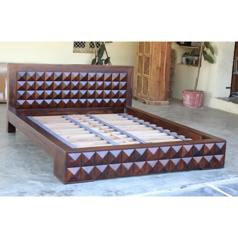 Kolonialne drewniane łóżko 180x200
